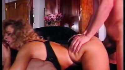 Кудрявая милфа громко стонет от секса с двумя соседями